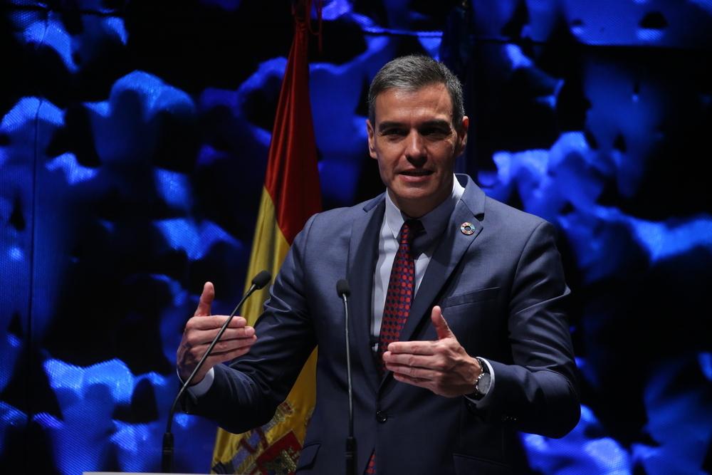 Sánchez garantiza la vacunación en junio a los menores de 50