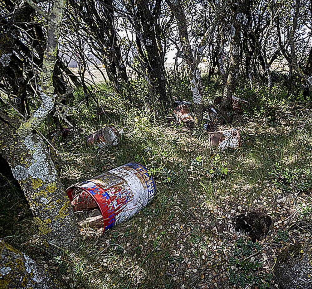 El cementerio de los cubos de pintura.