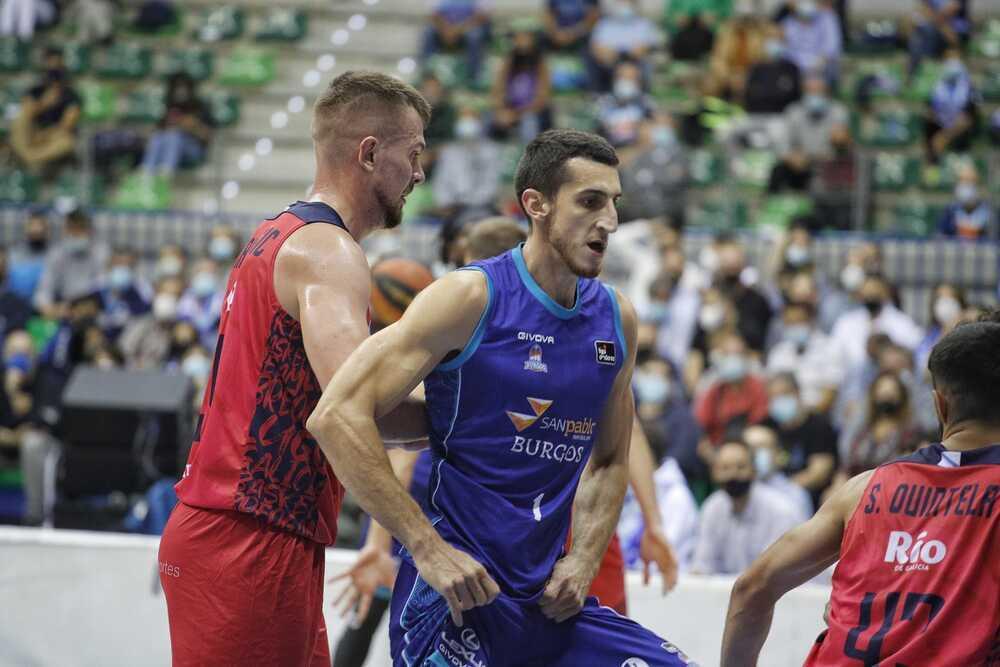 Kravic, uno de los pocos azulones que lograron desatascar al equipo en el último cuarto
