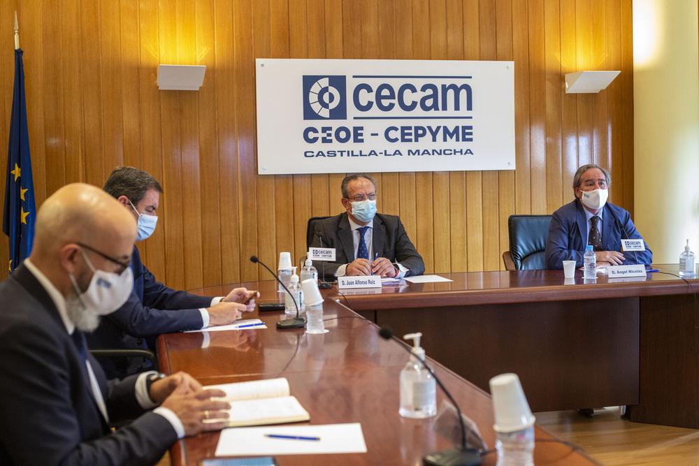 La Junta hace un 'catálogo' de pymes para contratos menores