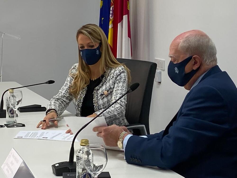 Firma del convenio de colaboración entre los colegios de Abogados de Barcelona y Ciudad Real