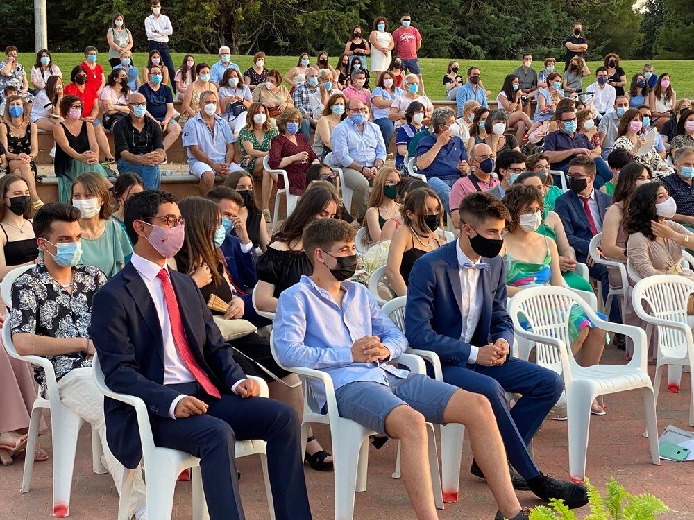 El parque Alces acoge la graduación del IES María Zambrano