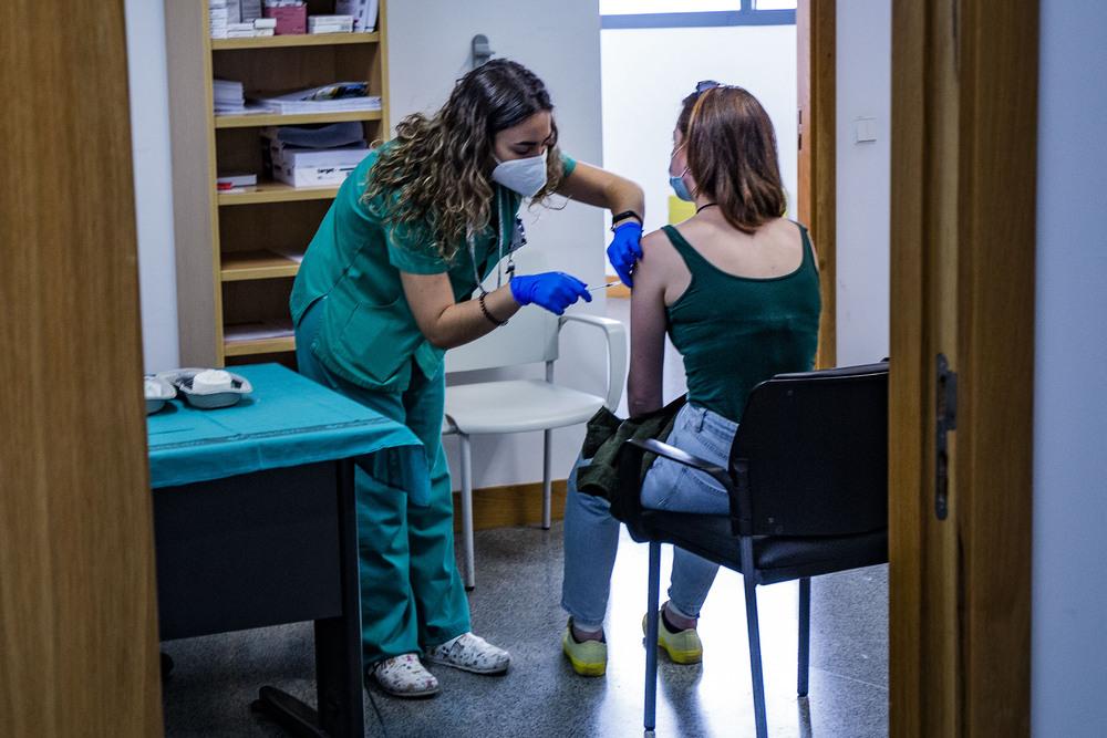 Ángela Frías ha sido una de las vacunadas esta tarde.