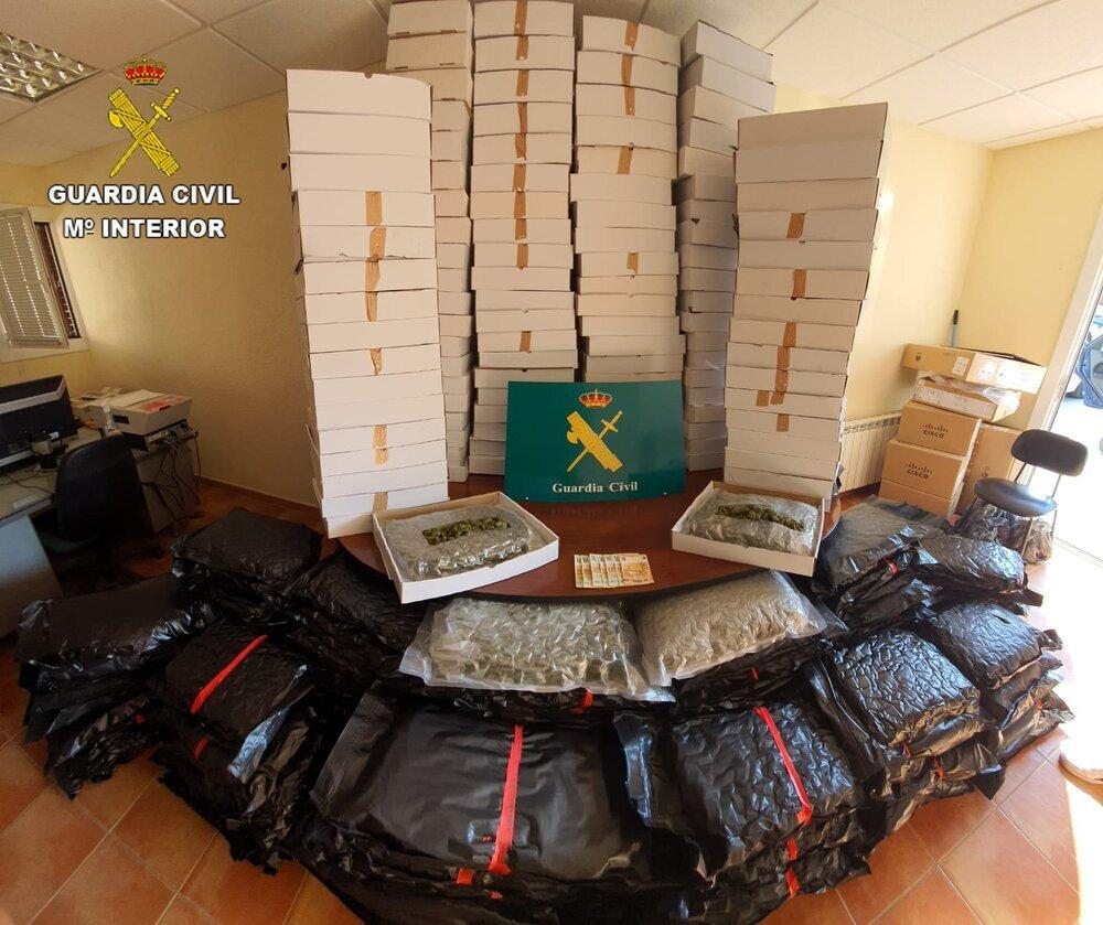 Dos detenidos en Novés con 230 kilos de marihuana