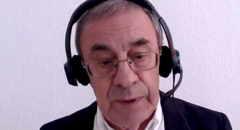 Antonio Zárate, protavoz de la Plantaforma Ciudadana 'Toledo: Sociedad, Patrimonio y Cultura', durante su intervención.