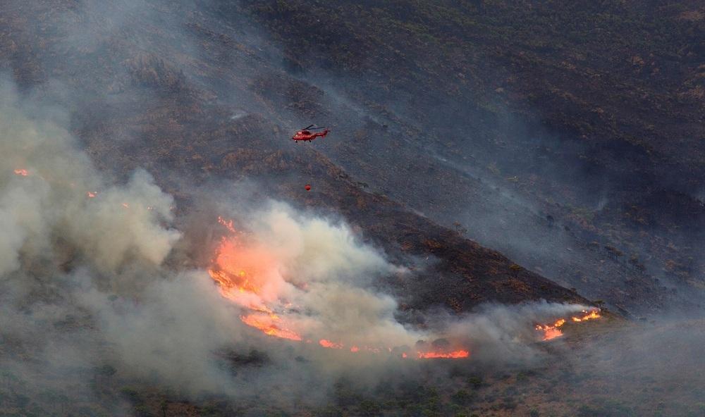 La Junta de Andalucía da por controlado el incendio de Sierra Bermeja