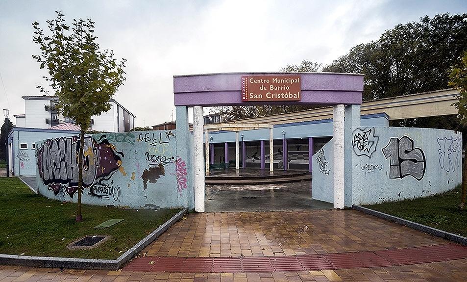 Centros municipales. El paso del tiempo y la falta de mantenimiento ha provocado que tengan goteras o adolezcan de falta de pintura o necesiten reordenar sus espacios.