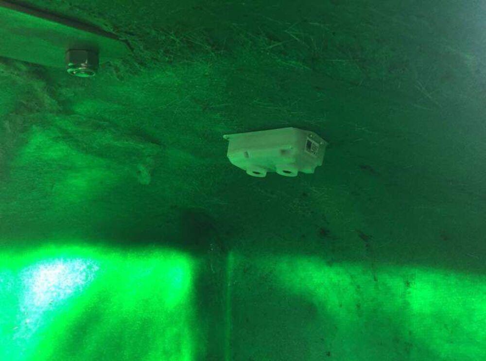 Sensor en el interior de un contenedor de basura para controlar cuando está lleno y evitar incendios.
