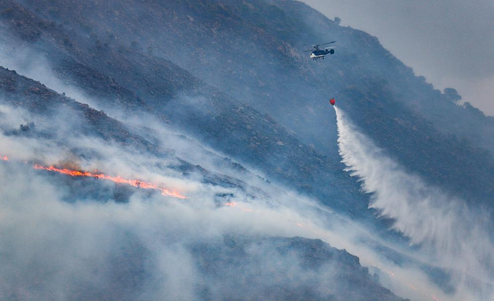 Andalucía da por controlado el incendio de Sierra Bermeja