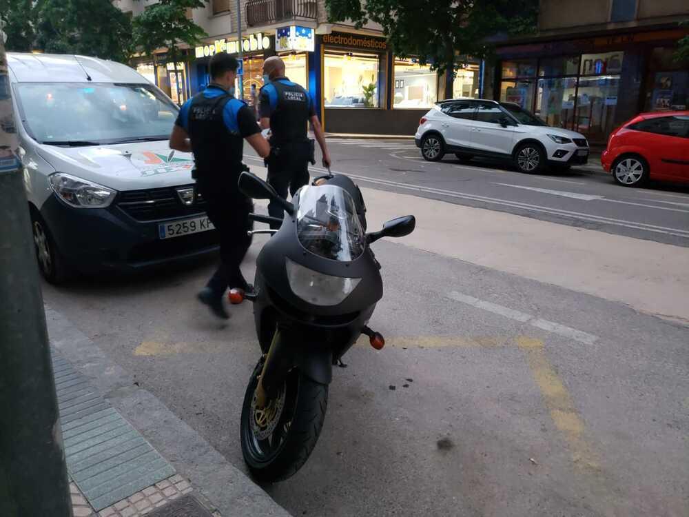 Colisión entre un turismo y una moto en avenida Valladolid