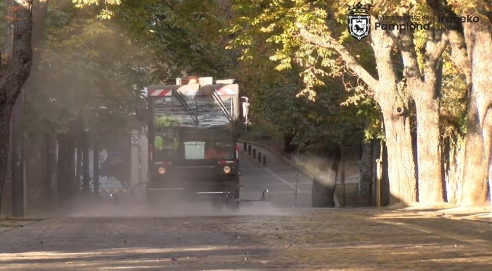 Pamplona refuerza el servicio de limpieza de la vía pública