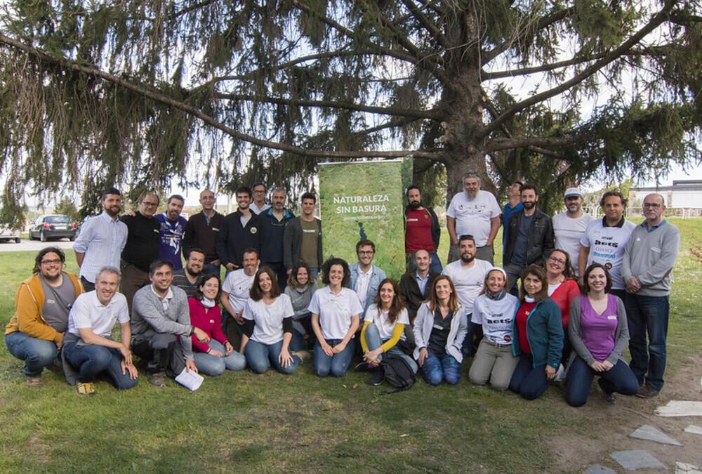 Proyecto Libera apadrina dos iniciativas contra basuraleza