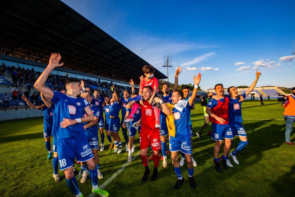 partido del ascenso del Calvo Sotelo a 2ª, partido calvo Sotelo y Marchamalo, Ascenso del calvo Sotelo a segunda 2ª celebraciones y alegria de los jugadores. futbol