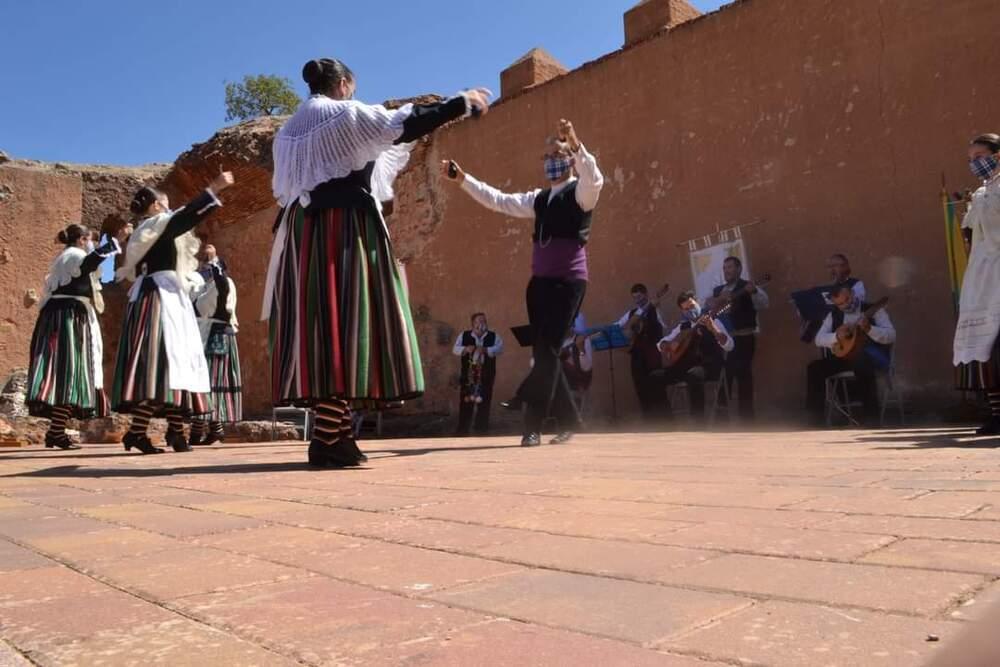 El acto contó con bailes folclóricos
