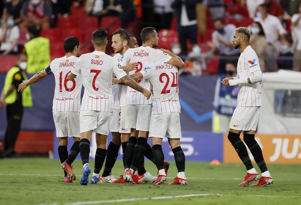 El Sevilla sobrevive al caos