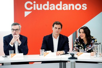 Cs decide que no pactará con el PSOE