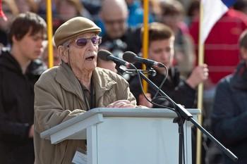 Austria despide a su superviviente más viejo del Holocausto