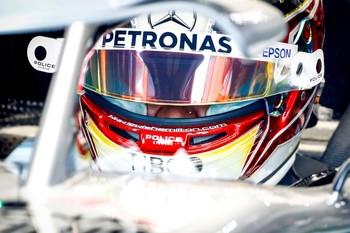 Hamilton recupera el mando y Sainz vuelve a ser el mejor
