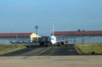 Las aerolíneas recortan sus vuelos desde CyL en invierno