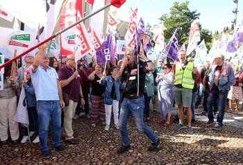 Movilización sindical hace unas semanas para reclamar la jornada de 35 horas semanales entre los docentes.