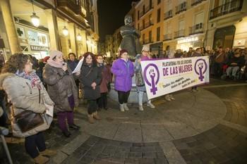 Ni un paso atrás en defensa de los derechos de las mujeres