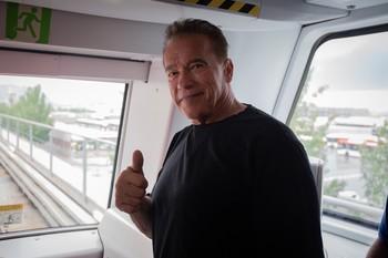 Schwarzenegger visita el Metro de Barcelona