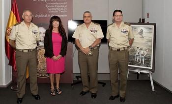 La presidenta de la Fundación Legacy con el general Rajo, director del Museo, y el jefe del Estado Mayor, Francisco Javier Varela.