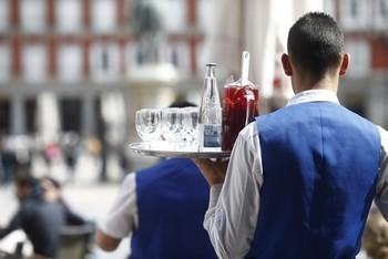 El salario medio español es 433 euros inferior al de la UE