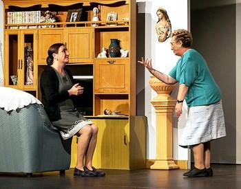 Marisa (Ana Rosa Alonso) y Carmen (Maribel Montes) protagonizan la obra.