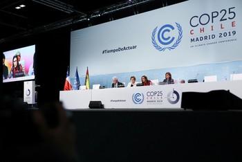 La Cumbre del Clima aprueba un acuerdo