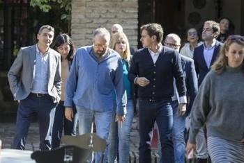 Rivera departe con Girauta.