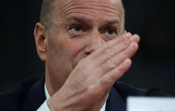 El embajador de EEUU afirma que presionó a Ucrania
