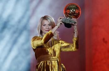 El Lyon domina las candidaturas al Balón de Oro femenino