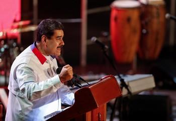 Maduro acusa a la oposición de preparar un asalto