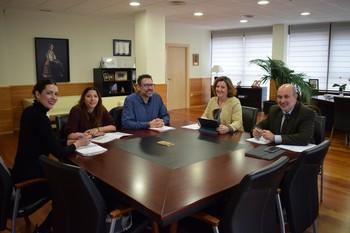La titular de este departamento, Patricia Franco, se reunió en la Consejería con responsables de Secretariado Gitano.