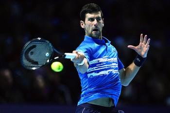 Djokovic arrasa a Berrettini y Thiem puede con Federer