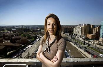 Angélica Manrique, fotografiada precisamente desde la torre de entrenamiento de los bomberos.