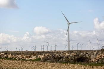CyL suma 25 centros industriales eólicos con 6.000 empleos