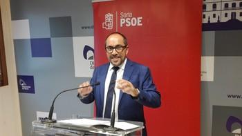 Rey presenta la propuesta socialista para el Plan Soria