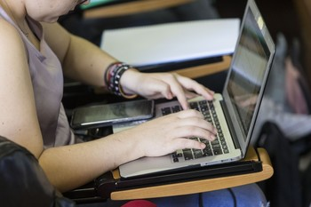 El 88% de empresas con más de 10 empleados usa medidas TIC.