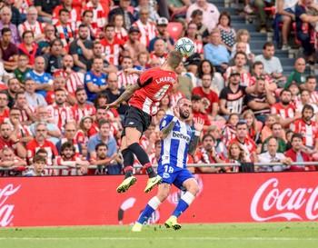 El Athletic se impone al Alavés