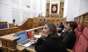 Las Cortes blindan su apoyo contra la violencia machista