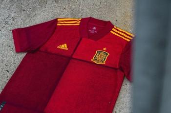 España presenta su nueva camiseta para la Eurocopa 2020