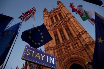 El acuerdo del Brexit supera el primer trámite del Parlamento