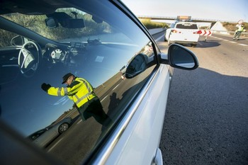 Investigan a dos conductores por conducir borrachos