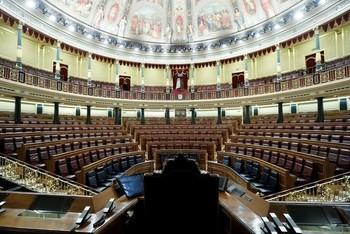 El PSOE ofrece al PP pactar el reparto de la Mesa del Congreso