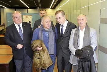 (I a d) Enrique Cabero, Pepe Álvarez, Germán Barrios y Faustino Temprano, durante la inauguración de la jornada.