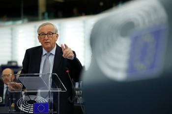 Juncker pide seguir trabajando para suavizar el Brexit