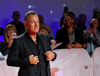 'The Boss' celebra sus 70 años con un ojo puesto en el cine