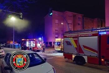 Muere un hombre tras incendiarse su casa en Santander